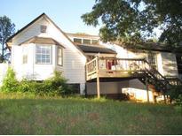 View 112 Williamsburg Ln Woodstock GA
