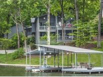 View 876 Lakeshore Dr Berkeley Lake GA